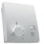 4 Firma Belimo oferuje pomieszczeniowy regulator temperatury CRK24-B1 do montażu naściennego, który jest idealnym uzupełnieniem systemu wyposażonego w 6-drogowy zawór regulacyjny. Wbudowana funkcja oszczędzania energii (EHO) umożliwia monitorowanie temperatury w pomieszczeniu w zakresie 15-40°C. Przy użyciu pomieszczeniowego regulatora temperatury użytkownik może samodzielnie modyfikować nastawę temperatury w zakresie ±3 K